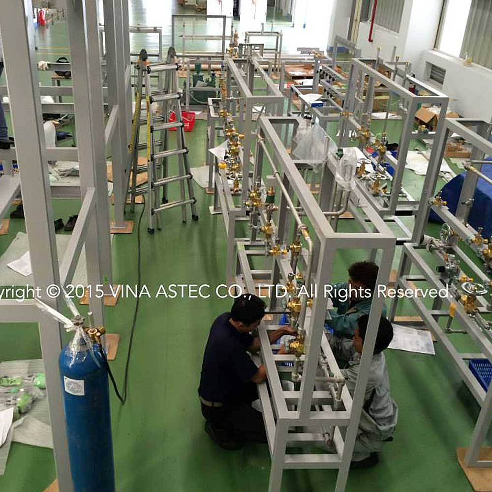 Sản xuất và lắp ráp giá đỡ thiết bị sản xuất/Manufacture and assembly of manufacturing equipment racks